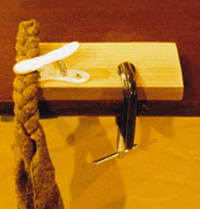 Wooden Rug Braiding Clamp